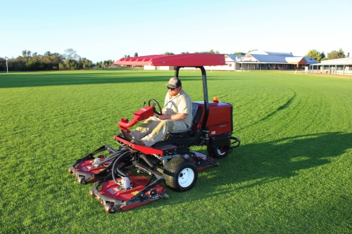 Landscaping Services - Verge Park & Oval Mowing